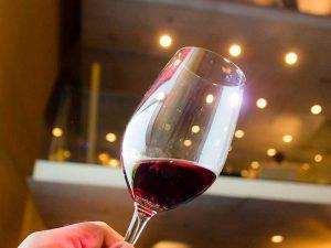 เลือกไวน์อย่างไรไม่ให้พลาด เรียนรู้ก่อนตัดสินใจ