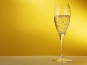 ไวน์ขาวรสชาติเป็นเลิศที่คนกินไวน์ยังแนะนำ